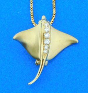 14k diamond stingray pendant